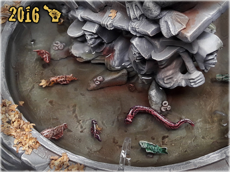 scarhandpainting-mordheim-gaming-table-frog-fountain-closeup-8