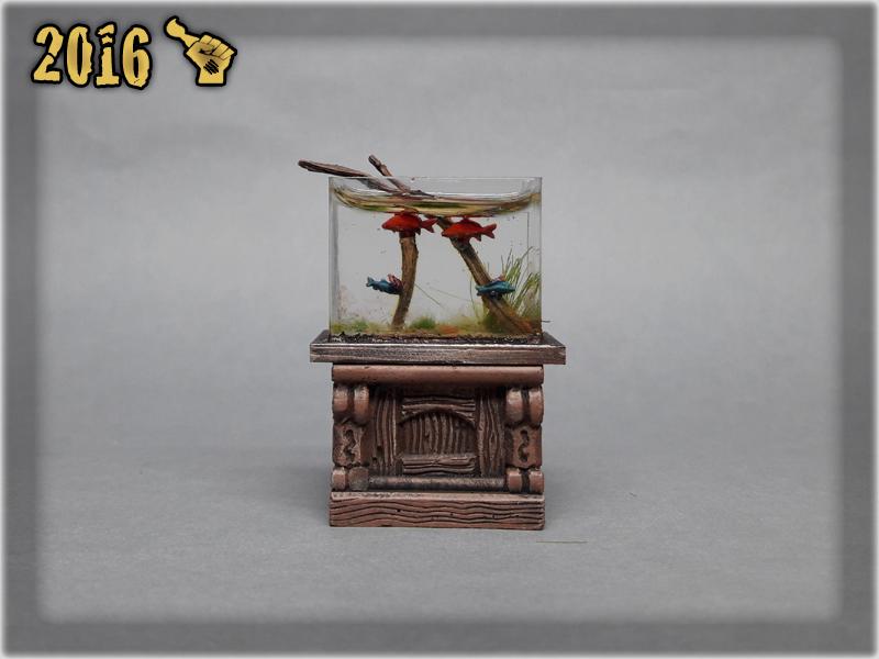 scarhandpainting-tabletop-world-murmaid-fish-aquarium-3